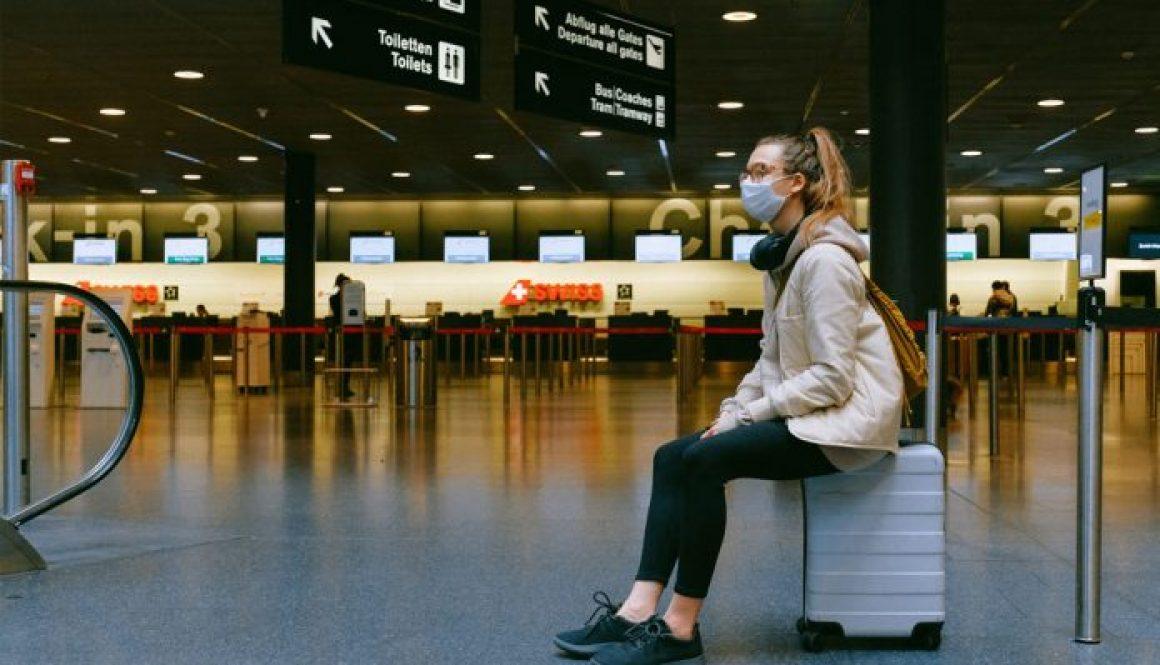 Covid-airport-696x436