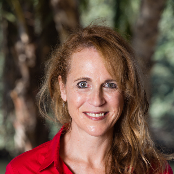 Janet Deel-Smith 600x600