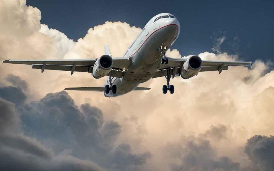 aircraft-jet-landing-cloud-46148